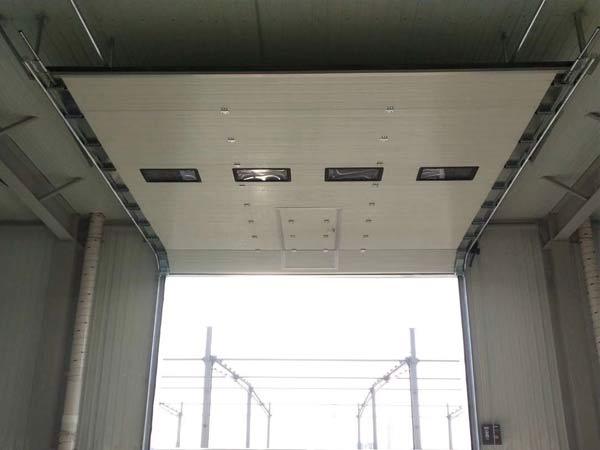 垂直工业翻版提升门