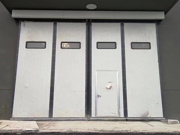 小型库房折叠门