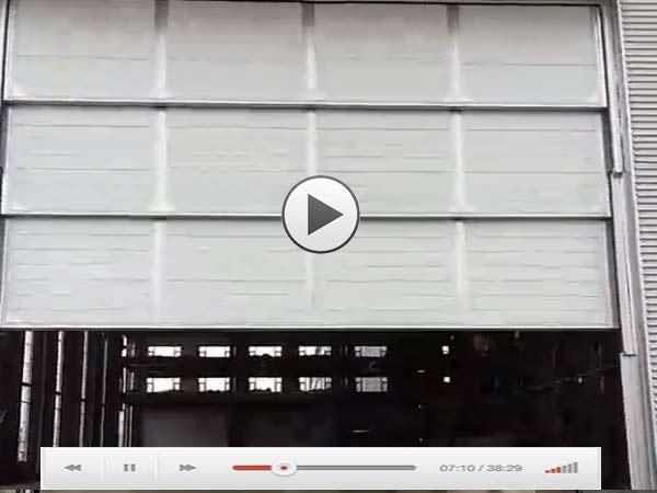 三层工业门提升视频演示