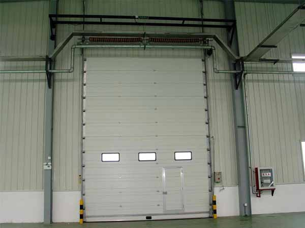 大型垂直工业提升门